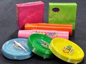 Piatti plastica per feste colori per dipingere sulla pelle for Piatti e bicchieri colorati
